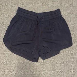 Aritzia TNA Elastic Waist Shorts